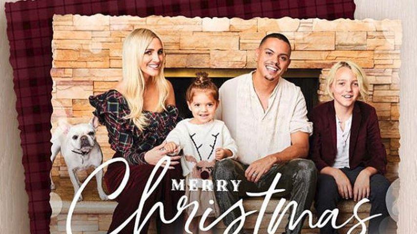 Weihnachtskarte von Ashlee Simpson-Ross, Evan Ross, den Kids Jagger und Bronx & Hund Alabama