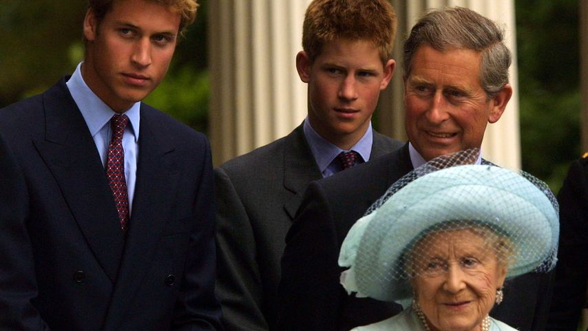 William Harry, Charles und Queen Mum
