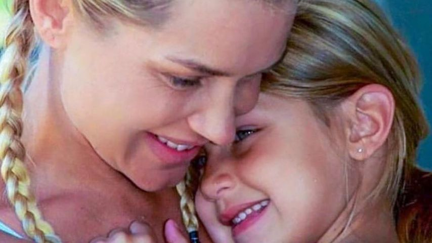 Yolanda Hadid mit ihrer Tochter Bella