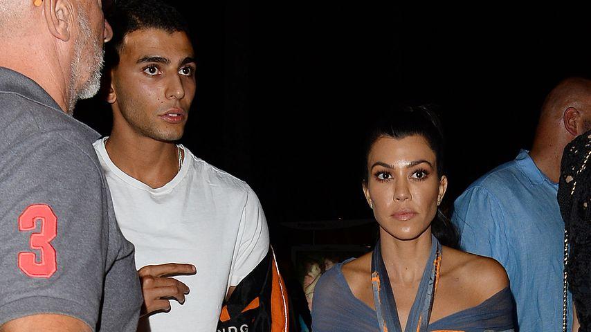 Yournes Bendjima und Kourtney Kardashian auf dem Weg zum Club Gotha in Cannes