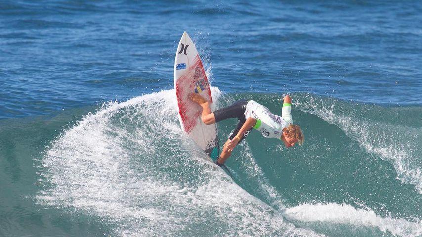 Zander Venezia auf dem Surfbrett