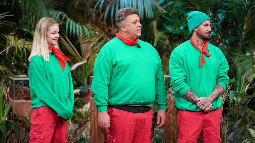 Zoe Saip, Frank Fussbrioch und Mike Heiter in der Dschungelshow 2021