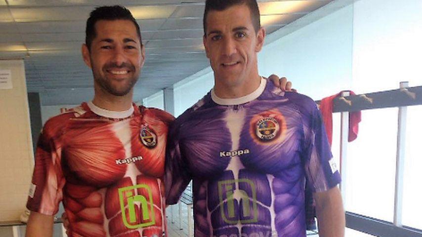 Nackt bis aufs Fleisch: Große Lacher für neue Fußballtrikots