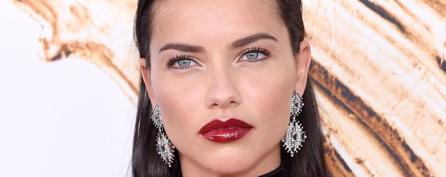 "Adriana Lima bei den ""CFDA Fashion Awards"" in New York"