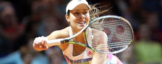 Ana Ivanovic spielt Tennis beim Porsche Open