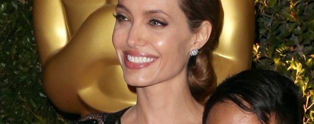 Angelina Jolie und Maddox Jolie-Pitt bei den Oscars 2015