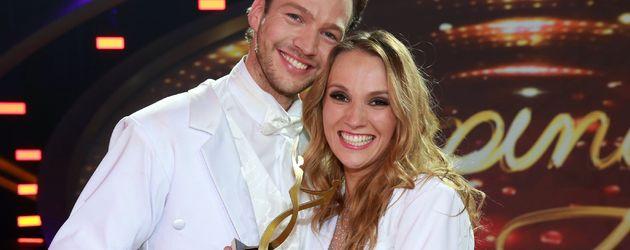 Anna Christiana Hofbauer und Marvin Albrecht bei Stepping Out
