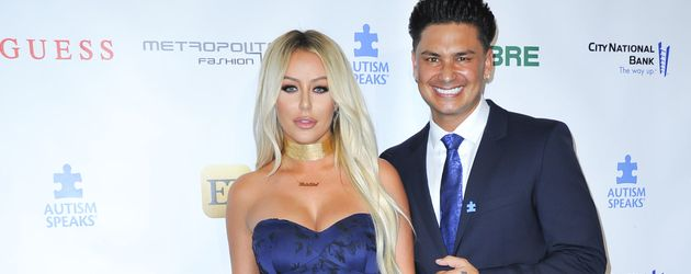 Aubrey O'Day und DJ Pauly D bei der Autism Speaks 'La Vie En Blue' Fashion Gala 2016 in Burbank