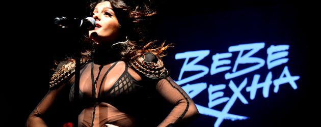 Bebe Rexha bei einem Auftritt 2015