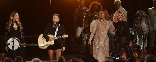 Beyoncé mit den Dixie Chicks bei den CMAs 2016