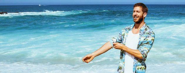 Calvin Harris im Urlaub am Strand