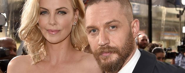 Charlize Theron und Tom Hardy