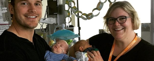 Chris Pratt auf der Intensivstation für Neugeborene im Seattle Kinderkrankenhaus