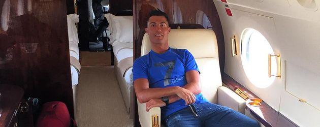 Cristiano Ronaldo in seinem Privat-Jet