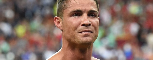 Cristiano Ronaldo oben ohne im EM-Finale 2016