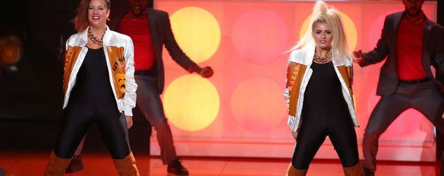 """Dana (l.) und Luna Schweiger bei """"Dance Dance Dance"""""""