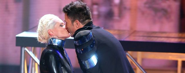 "Daniela Katzenberger und Lucas Cordalis nach ihrer ""Rhythm is a Dancer""-Performance"