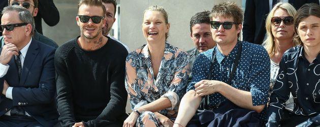 David Beckham, Kate Moss und Graf Nikolai von Bismarck bei der Valentino-Modenschau in Paris