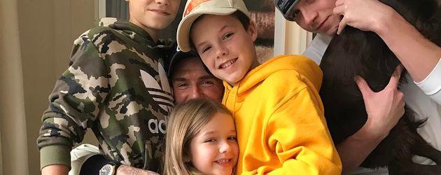 David Beckham mit seinen Kindern Romeo, Harper, Cruz und Brooklyn