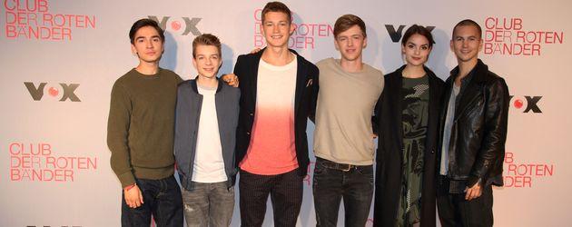 """Der Cast von """"Club der roten Bänder"""" bei einem Fototermin im Oktober 2016 in Köln"""