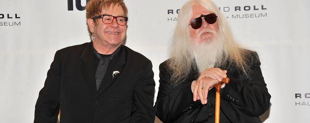 Elton John und Leon Russel bei der 26. jährlichen Rock And Roll Hall Of Fame Zeremonie in L.A.