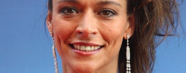 Ex Unter Uns Star Yvonne de Bark mit 80er-Frisur