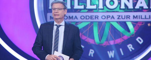 """Günther Jauch als Moderator bei """"Wer wird Millionär?"""""""