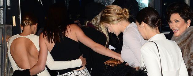 Gigi Hadid, Kendall Jenner, Kris Jenner und Hailey Baldwin
