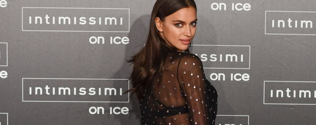 "Irina Shayk bei der ""Intimissimi On Ice""-Fashionshow in Verona, Italien"