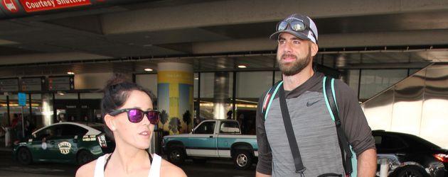 Evans und ihr Freund David Eason am LAX