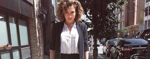 Jennifer Lopez als Detective Harlee Santos