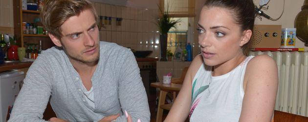 Jörn Schlönvoigt und Anne Menden am GZSZ-Set