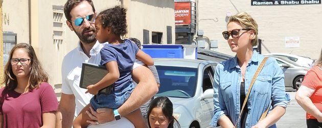 Schauspielerin Katherine Heigl, Musiker Josh Kelley und ihre Töchter