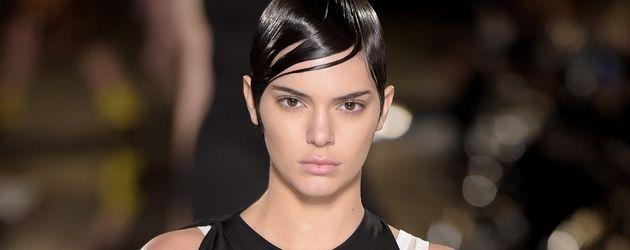 Kendall Jenner bei der Givenchy Modenschau in Paris