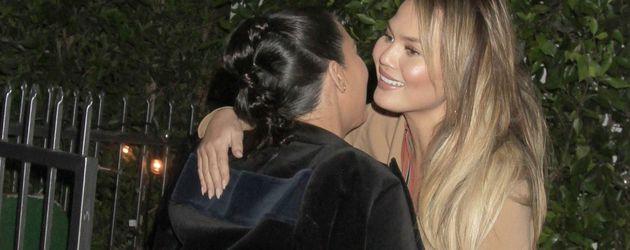 Kim Kardashian und Chrissy Teigen