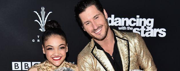 """Laurie Hernandez und Profi-Tänzer Valentin Chmerkovskiy beim Finale von """"Dancing wih the Stars"""""""