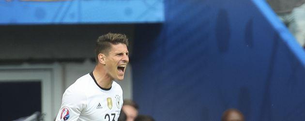 Mario Gomez nach dem 1:0-Tor beim EM-Spiel Deutschland gegen Nordirland