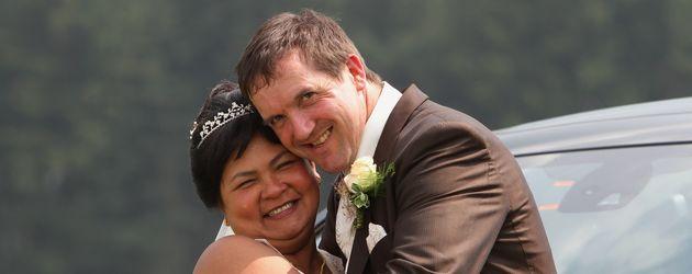 Narumol und Josef an ihrer Hochzeit