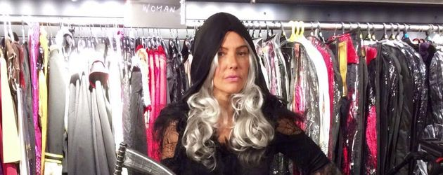 "Natascha Ochsenknecht im Halloween-Kostüm ""Weiblicher Sensenmann"""