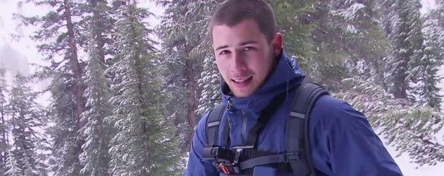Nick Jonas in den Bergen
