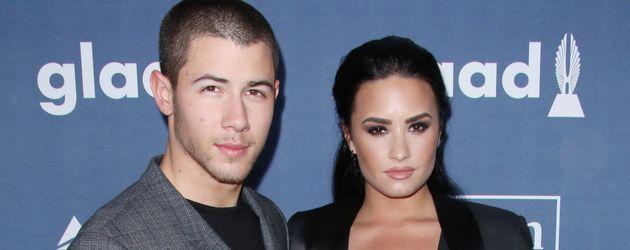 Nick Jonas und Demi Lovato bei den 27th Annual GLAAD Media Awards in Beverly Hills