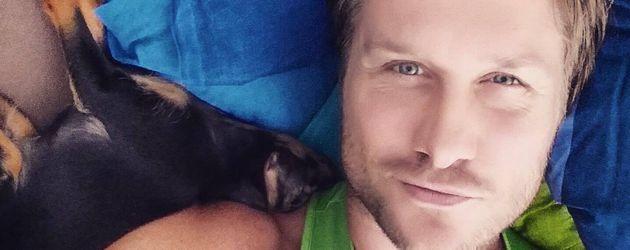 Nico Schwanz mit Hund Batman