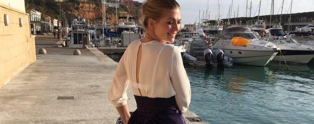 Nina Bott im Urlaub