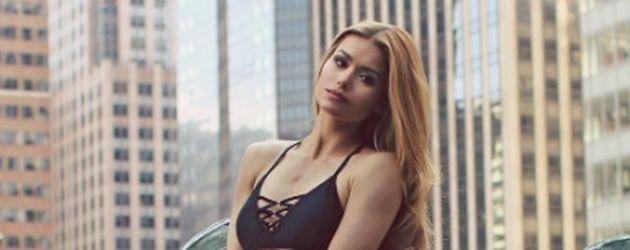 Pamela Reif im Bikini in New York City