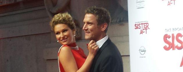 Janni Hönscheid und Peer Kusmagk bei einer Musicalpremiere