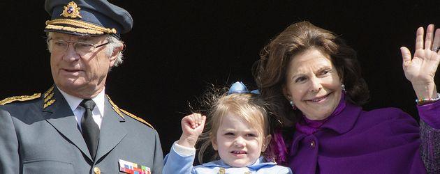 König Carl Gustaf, Prinzessin Estelle und Königin Silvia von Schweden