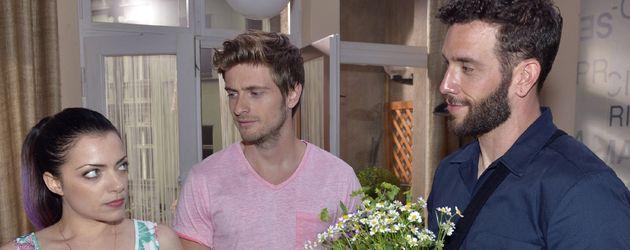 Emily (Anne Menden), Philip (Jörn Schlönvoigt) und Roberto (Sascha Pederiva)