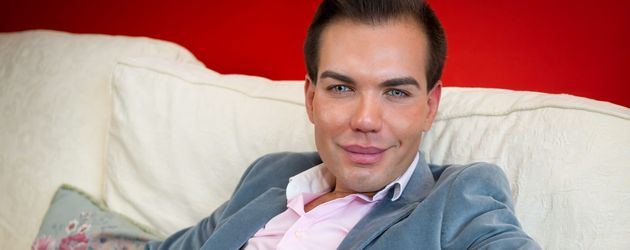 Rodrigo Alves in England