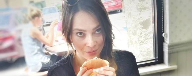 Schauspielerin Laura Osswald bei In-N-Out Burger