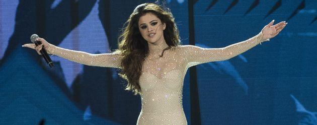 Selena Gomez bei einer Live-Performance in Kanada